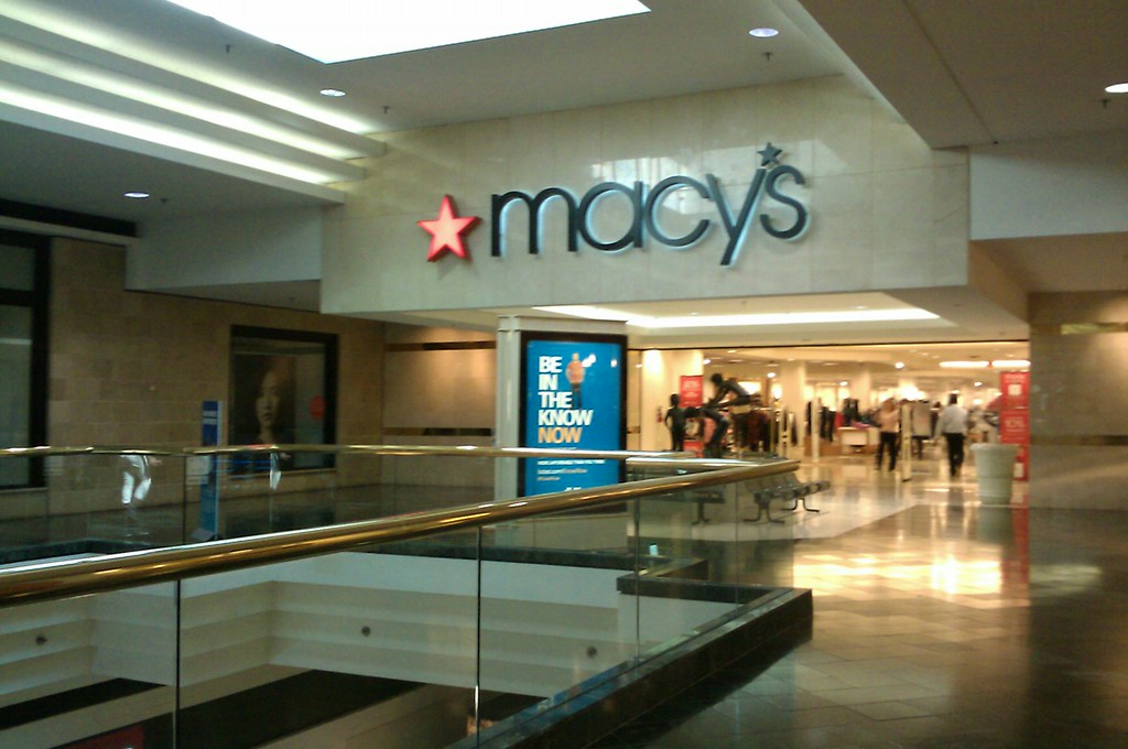 Macy S Upper Level Oak Court Mall Entrance Tiny When It