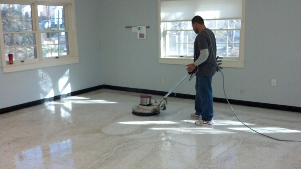 Floor cleaning cbm clwaning and re waxing a rec center for Floor cleaning services