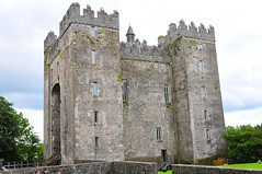 Admire the Bunratty Castle - Things to do in Shannon