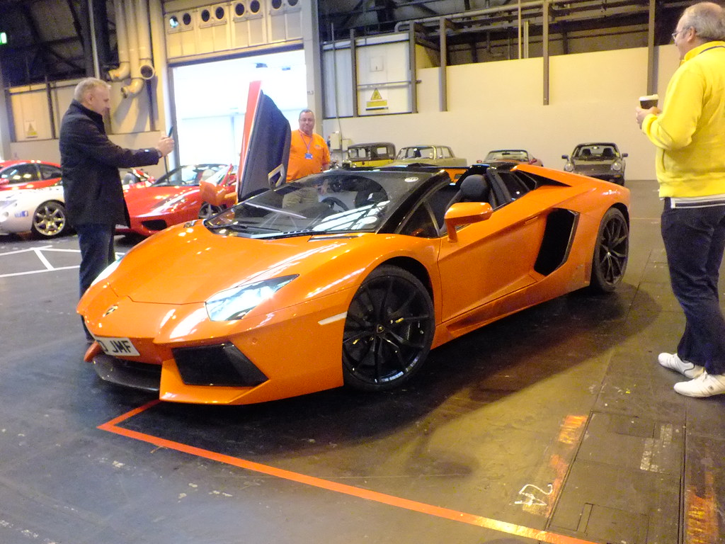 Lamborghini Aventador Roadster A Bright Orange Lamborghi Flickr
