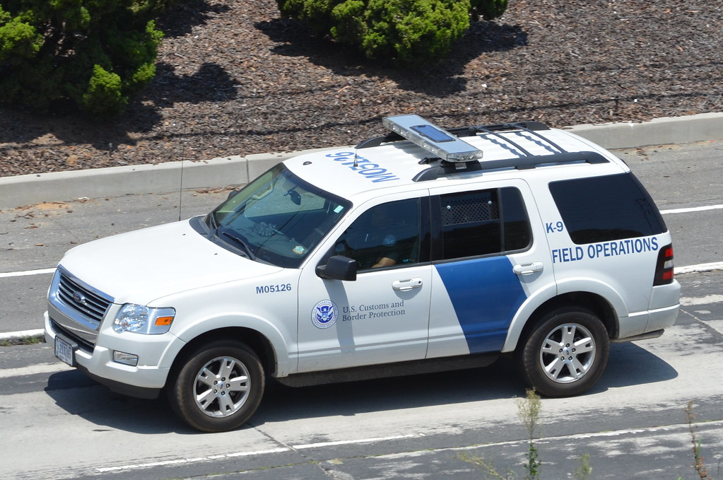 White Ford Explorer >> .DEPARTMENT OF HOMELAND SECURITY (DHS) U.S. CUSTOMS and BO ...