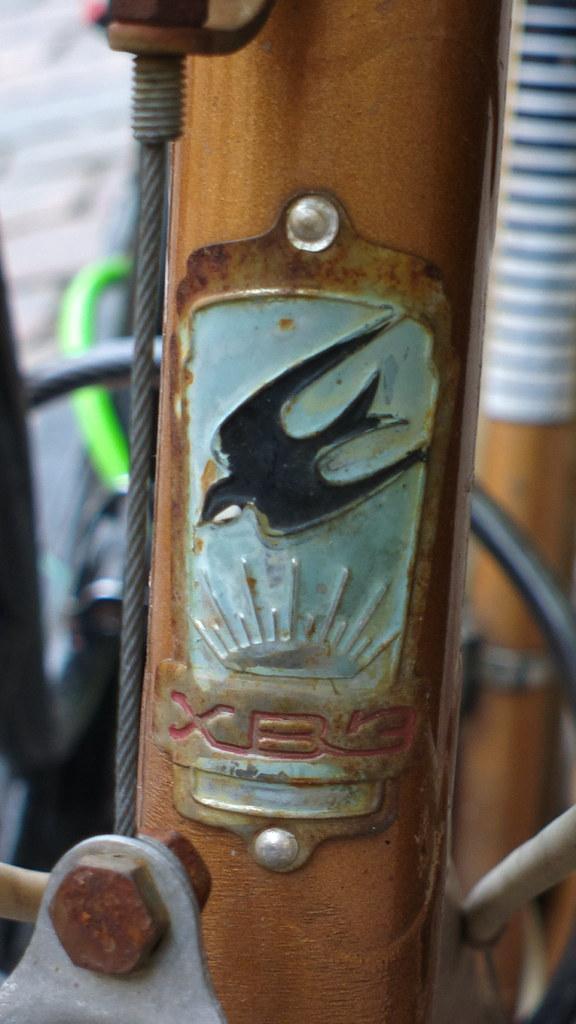Ukraine >> HVZ (USSR/Ukraine) bicycle head badge logo | HVZ (or ХВЗ) no… | Flickr