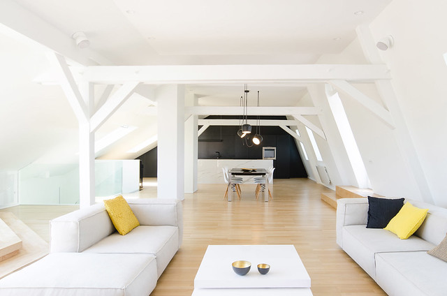Attic interior by f+f architectes. Sundeno_02