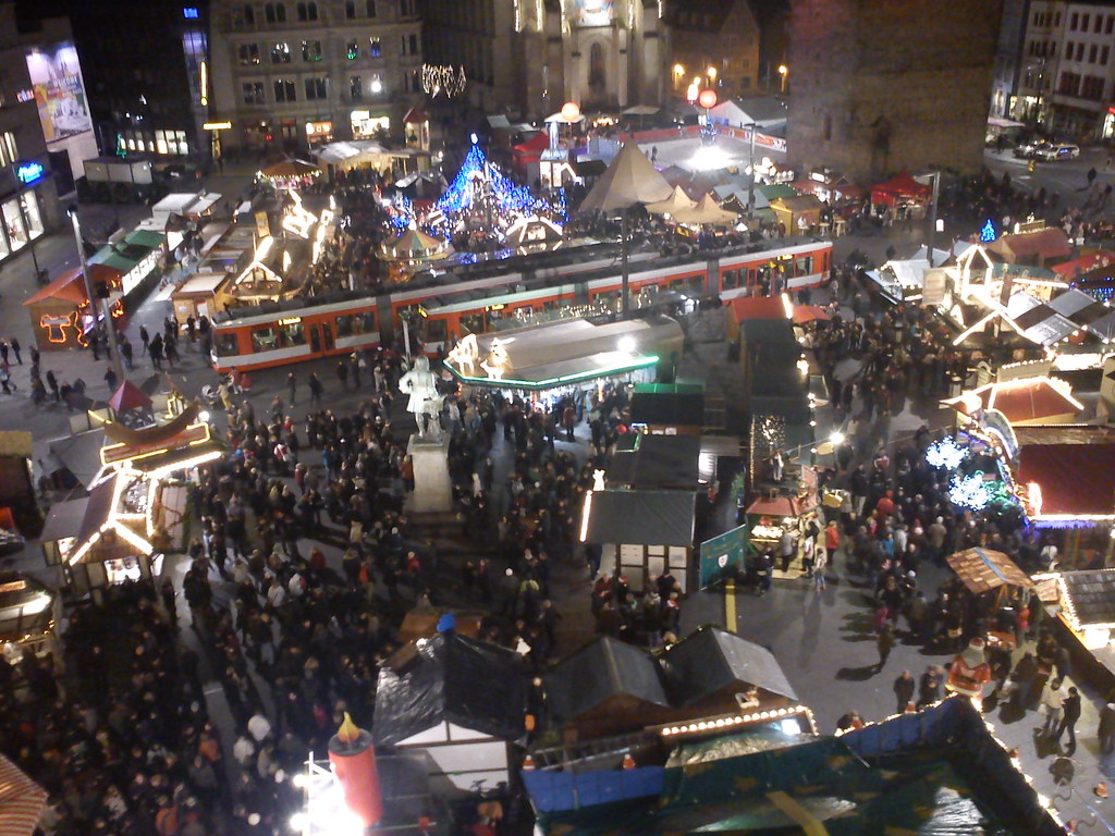 weihnachtsmarkt halle saale lichter nacht berblick kaufha flickr. Black Bedroom Furniture Sets. Home Design Ideas