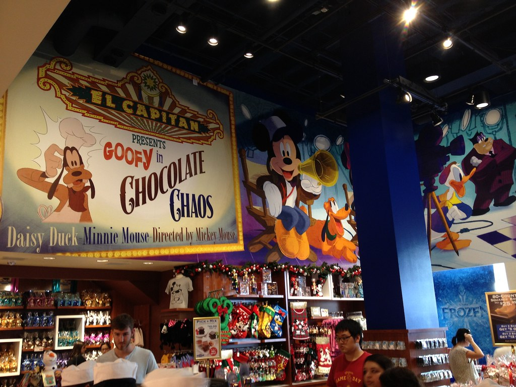 Ghirardelli Soda Fountain And Chocolate Shop And Disney St