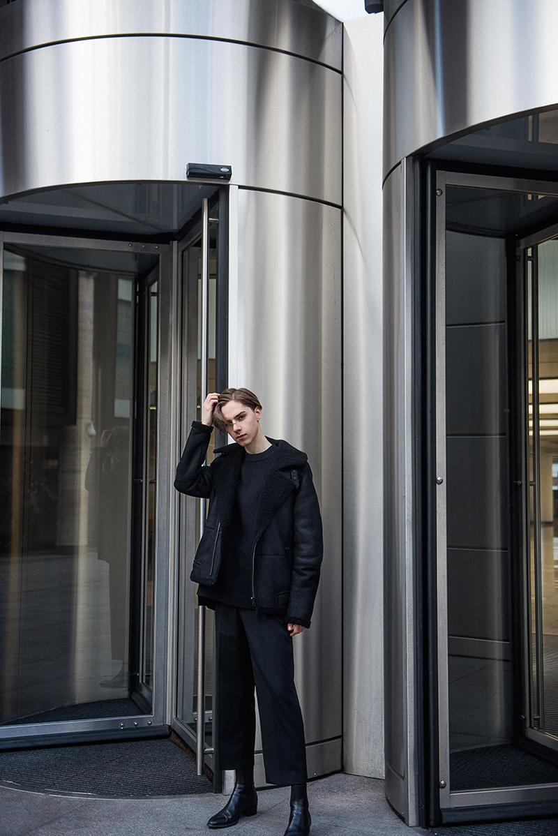 FashionBlogger_MikkoPuttonen_wearing_FilippaK_ShearlingJacket_MatthewMiller_YSL_SaintLaurent_london5_web