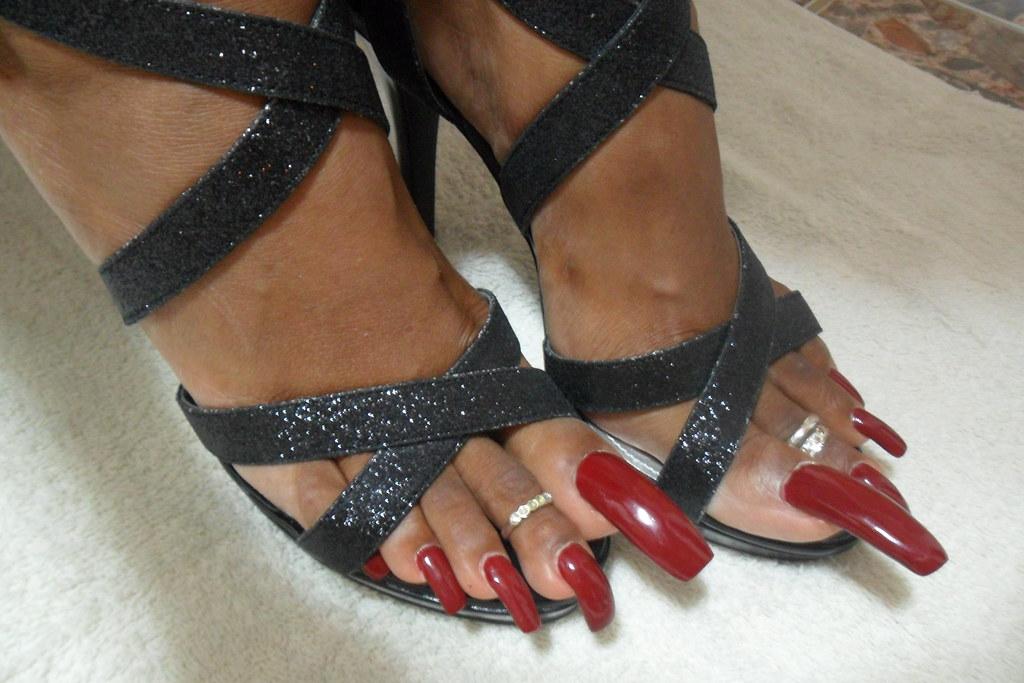 Ebony red long toenail fj 7