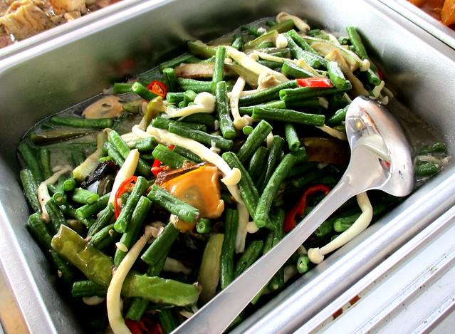 Anak Borneo long beans