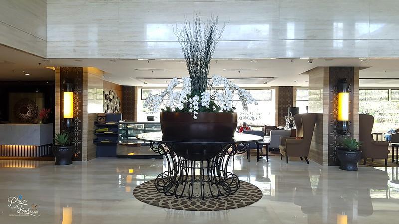 jogja Royal Ambarrukmo Hotel lobby
