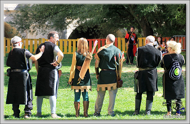 Fin de Semana Cidiano Ofrenda floral en la tumba del Cid (10)