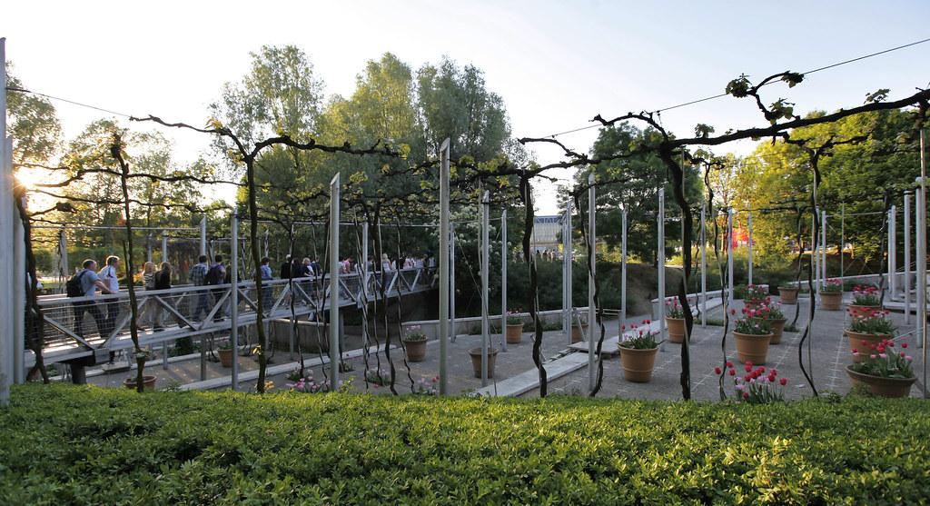 Le parc de la villette le jardin de la treille marie for Le jardin zoologique de berlin