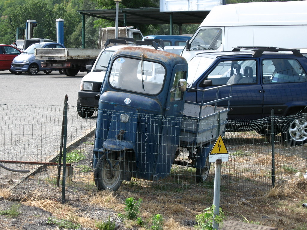 Omer three-wheeler | A rare Omer three wheeler transporter ...