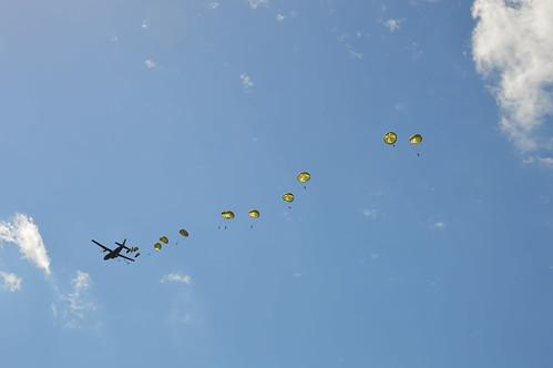 Parachutage pour l'anniversaire du débarquement en Normandie