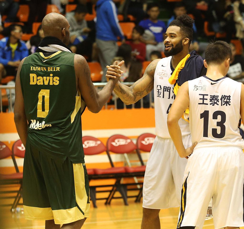 B.戴維斯(Bryan Davis)(圖左)與菲爾普斯(Eugene Phelps)。(籃協提供)
