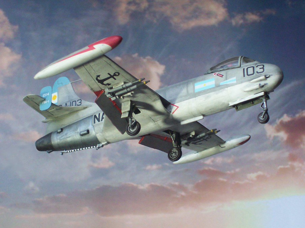 1 72 Chance Vought F6u 1 Pirate Aircraft 3 A 103 1224