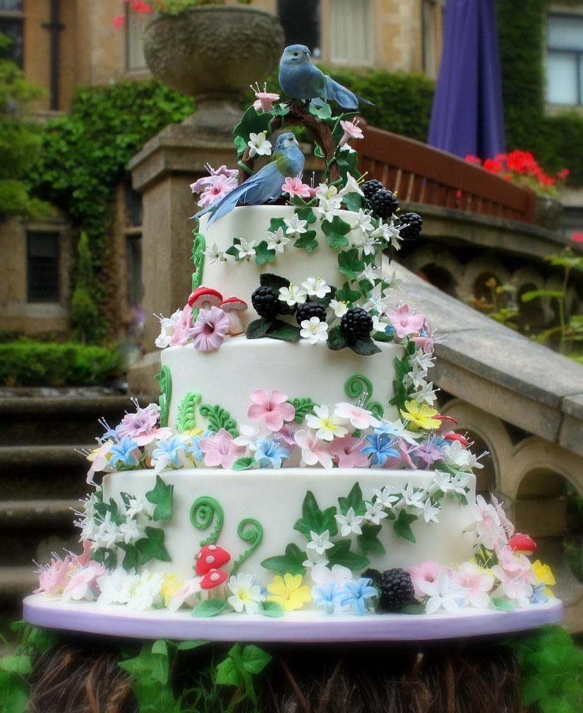 Woodland Themed Wedding Cake: Woodland Themed Wedding Cake