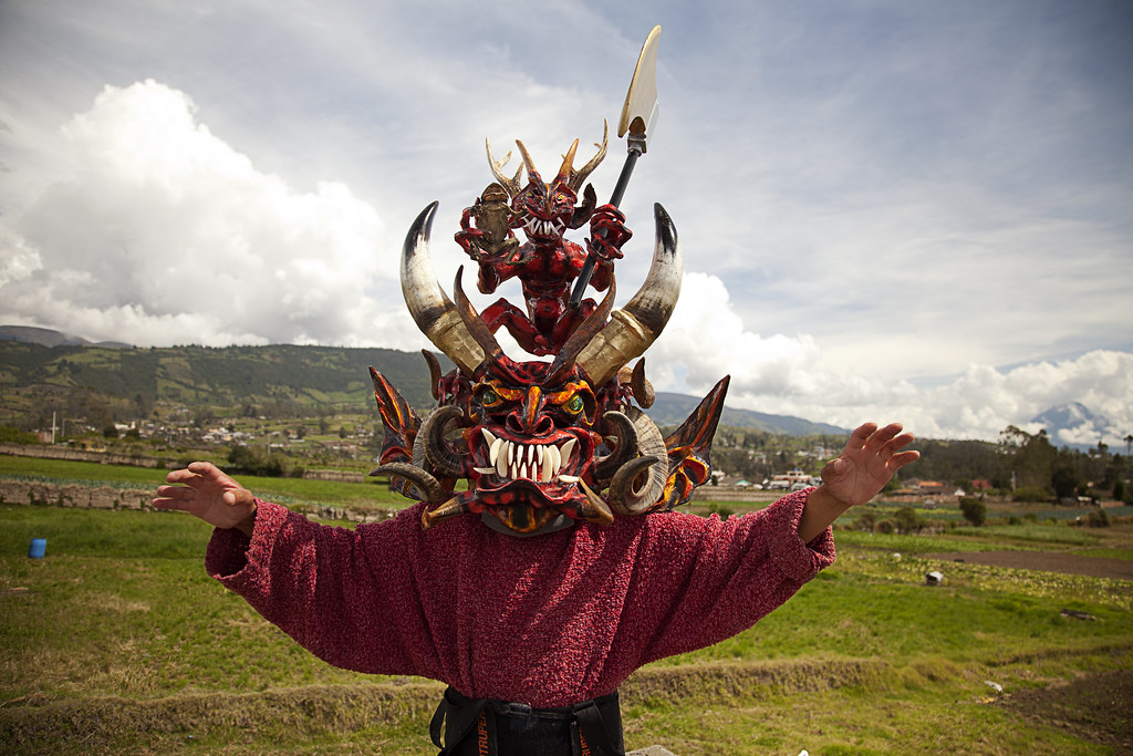 Diablo de Pillaro | This man makes devil masks for a ...