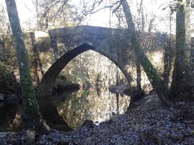 Puente de San Fiz en el río Barbantiño