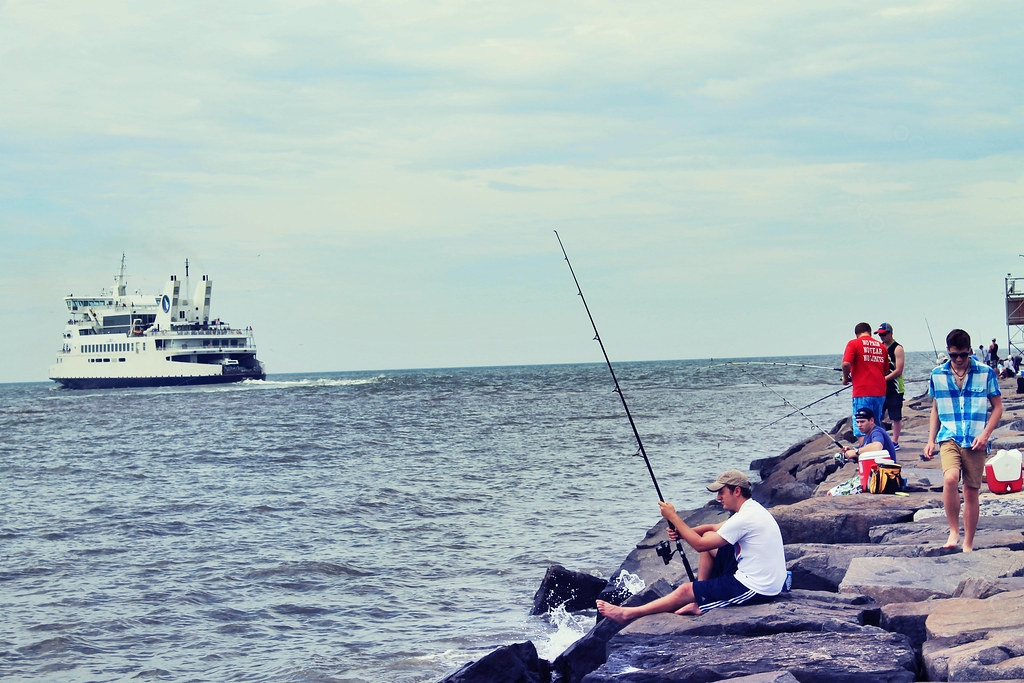 Fishing the jetty cape may lewes ferry delaware bay flickr for Lewes de fishing report