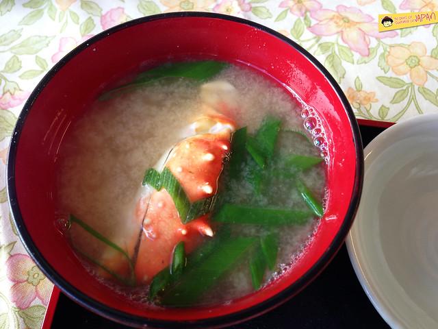 Hokkaido - Nijo Market - crab miso soup