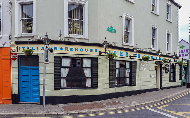 Creightons Bar & Lounge