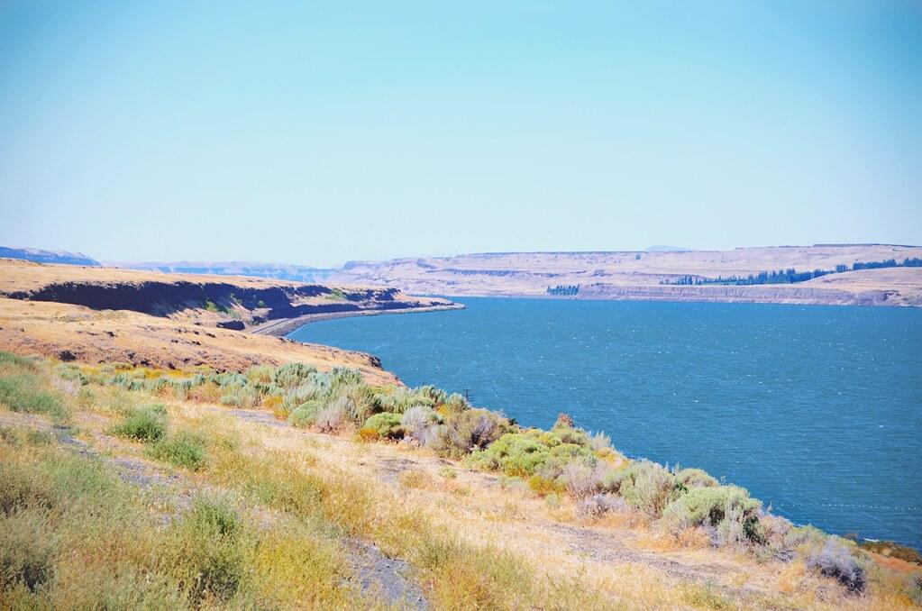 Columbia River Gorge, Oregon - USA | via It's Travel O'Clock