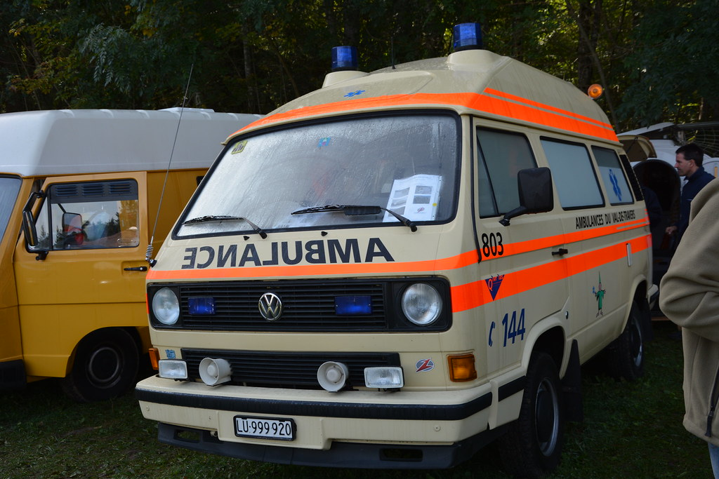 Vw Combi T3 Ambulance 7 Int Vw Bus Monster Treffen