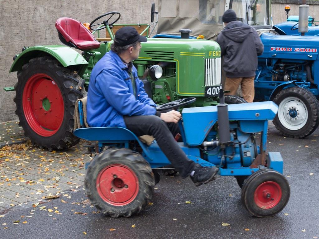 Small Tractor Big Tractor Carmen Eisb 228 R Flickr