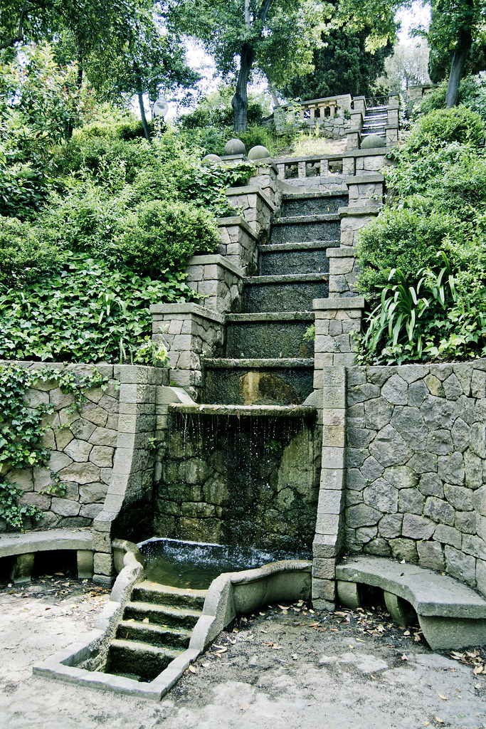 Fuente de montju c jardines laribal javier huerta for Jardines laribal