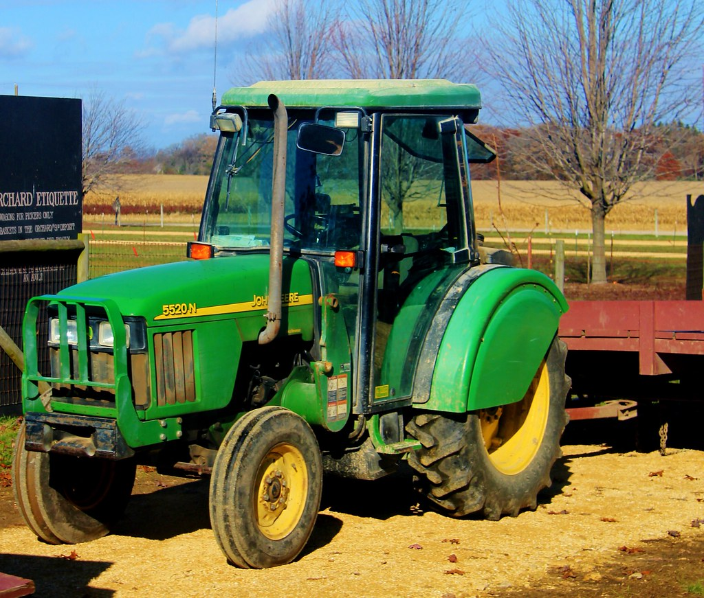White Tractor Fenders : Jd orchard tractor fenders partially cover the