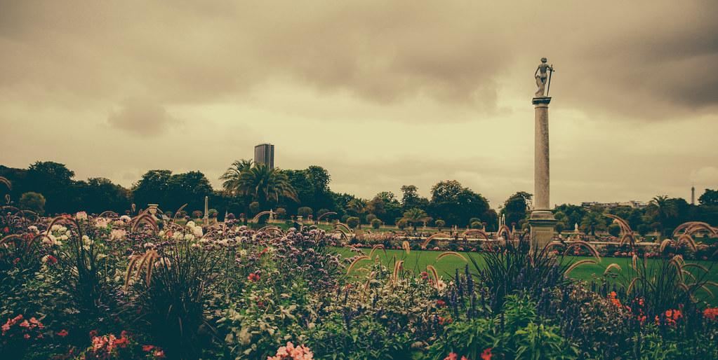 Jardin du luxembourg paris france september 2013 for Jardin 5e paris