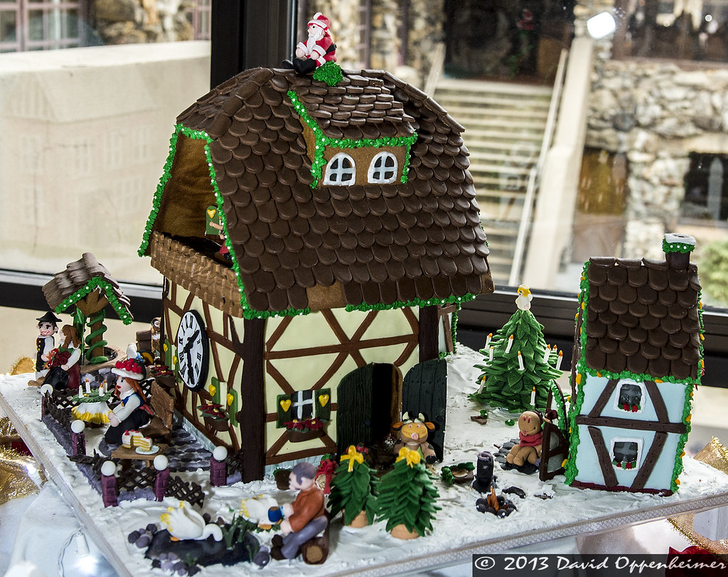National gingerbread house competition at the omni grove p for Grove park house