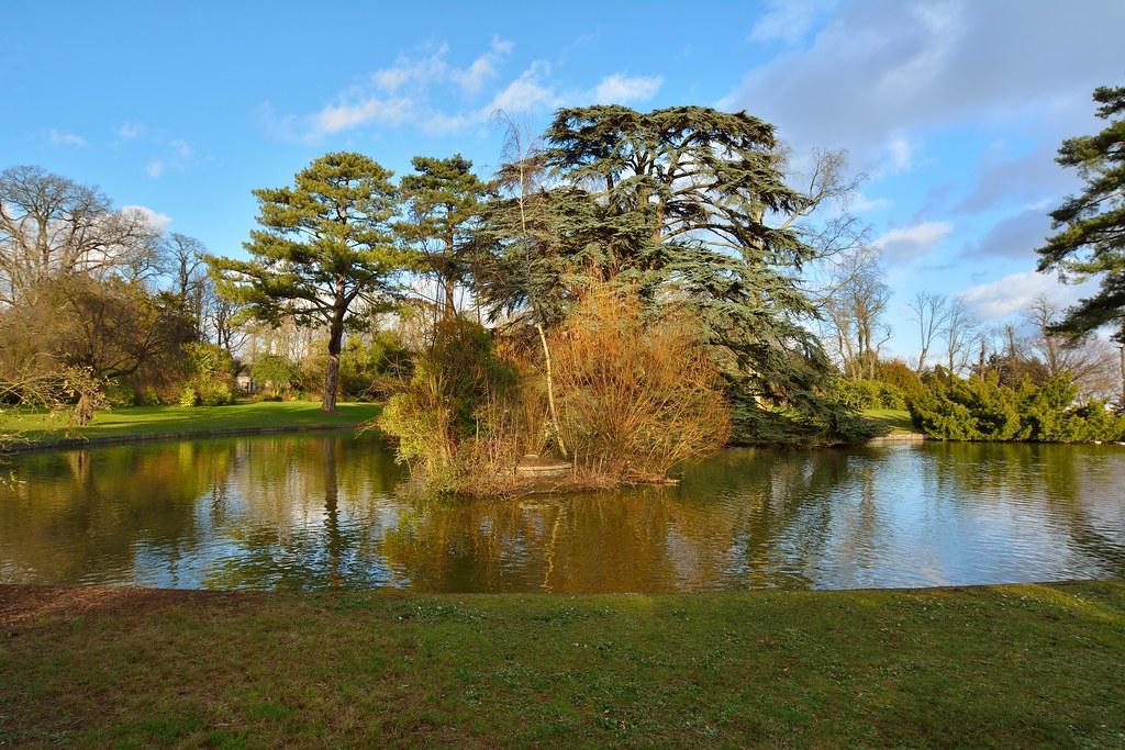 Parc de saint clouds near paris lac du trocad ro 2 2 for Parc du jard saint dizier