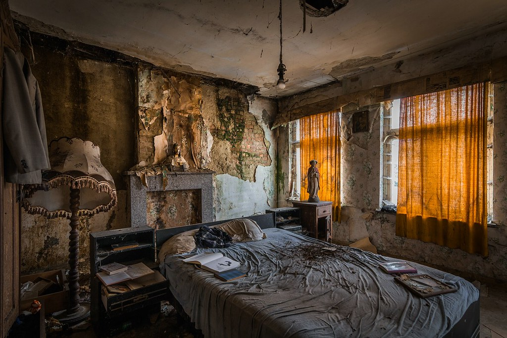 Abandoned Bedroom | www.imgkid.com - The Image Kid Has It!