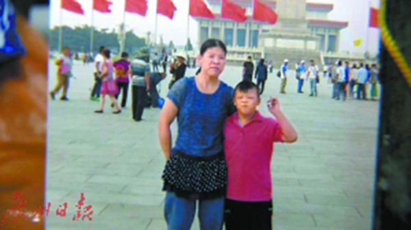 Guangzhou Street, mother 1 ticket left the 9 year old son alone by bus, has been missing for 6 days