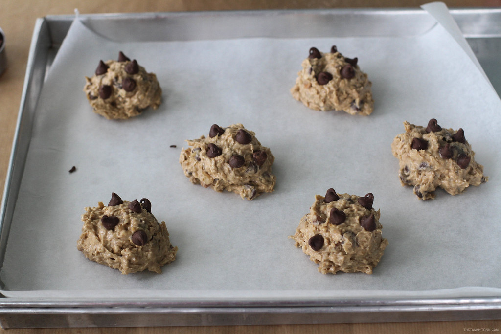 31375123676 23f45b227a b - Testing out the Breville Scraper Mixer Pro on these Banana-Oatmeal Choco Chip Cookies