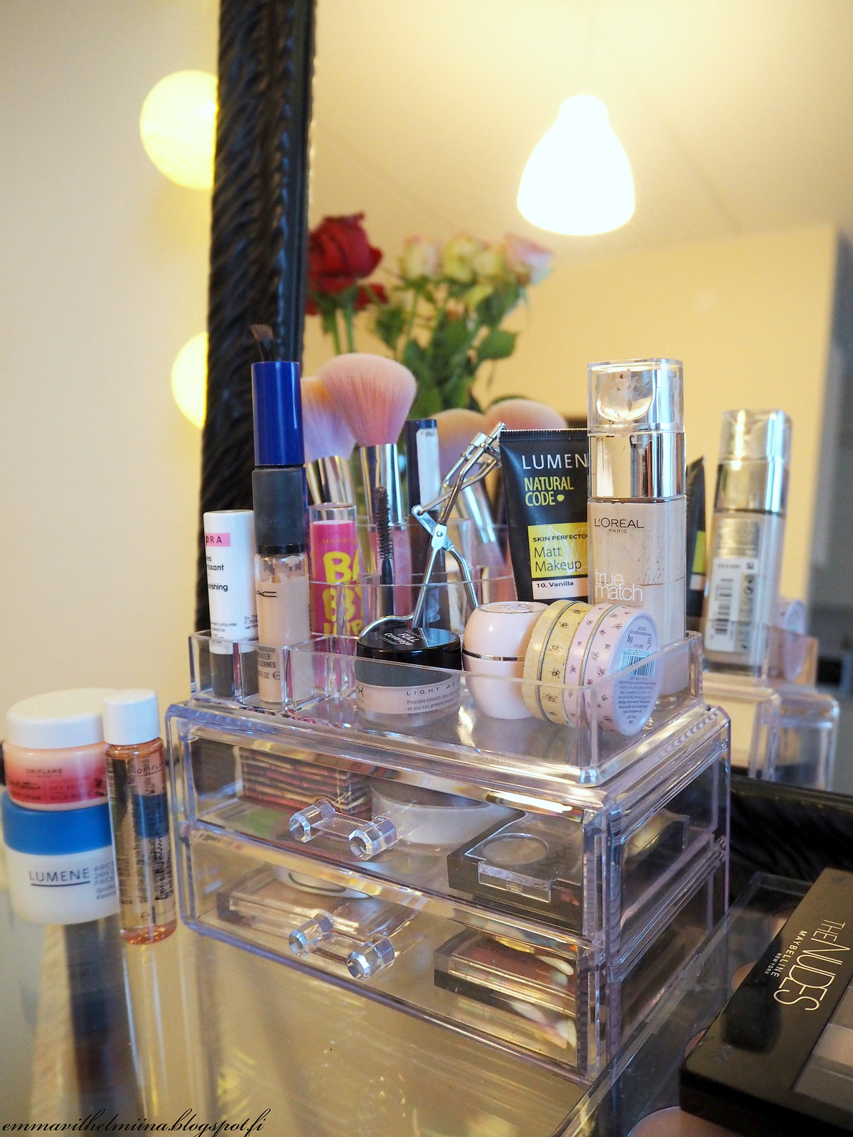 cosmetic organizer plastic