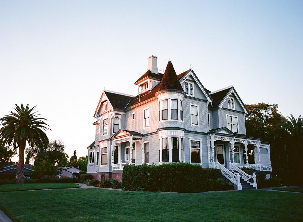 Santa clara historic homes one of the many century plus for Clara house