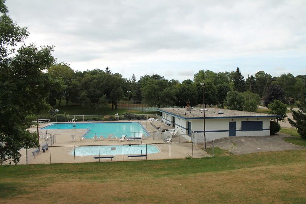 Burlington Community Swimming Pools Bathhouse Burlington Flickr