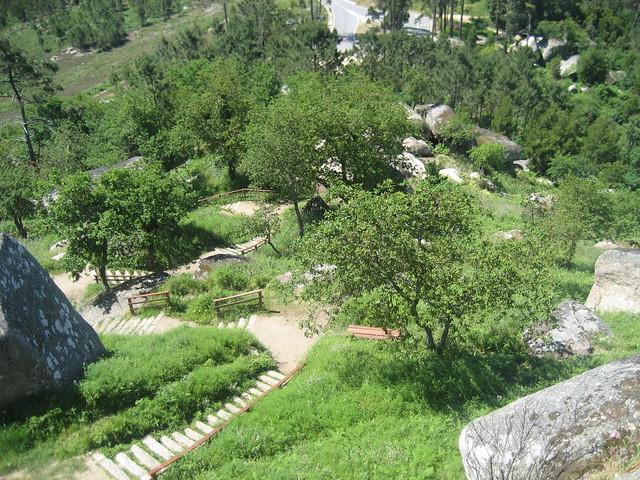 Escaleras en el PR-G 126 Ruta dos Miradoiros Lobeira - Faro das Lúas