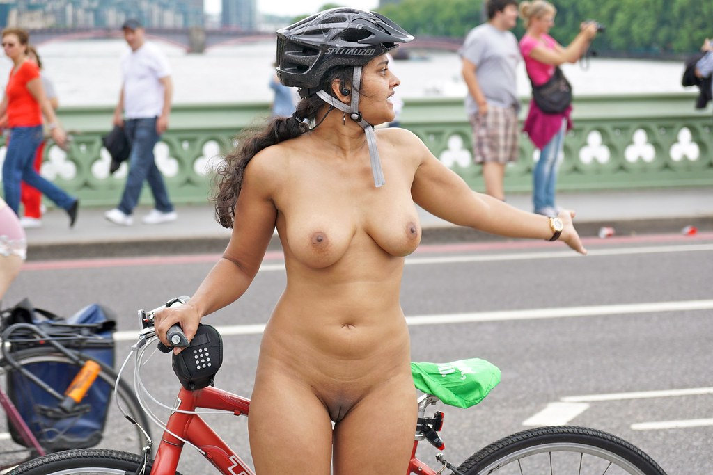World Naked Bike Ride London 2014  Sacha Alleyne  Flickr-8020