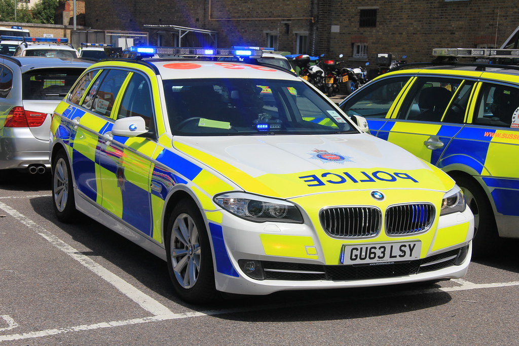 Surrey Police Bmw 530d Touring Roads Policing Unit Traffic Flickr