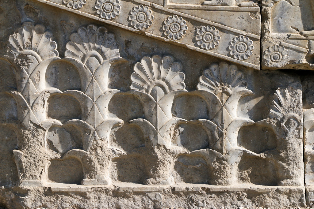 Flower motif relief in Persepolis, Iran ペルセポリス遺跡