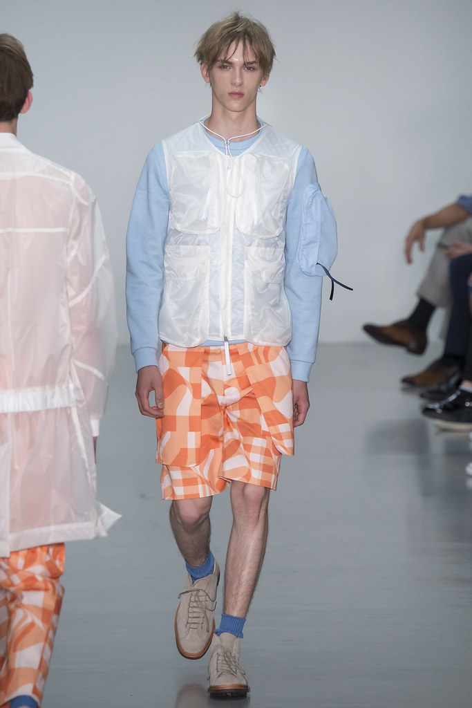 SS16 London Lou Dalton003_Dominik Sadoch(VOGUE)