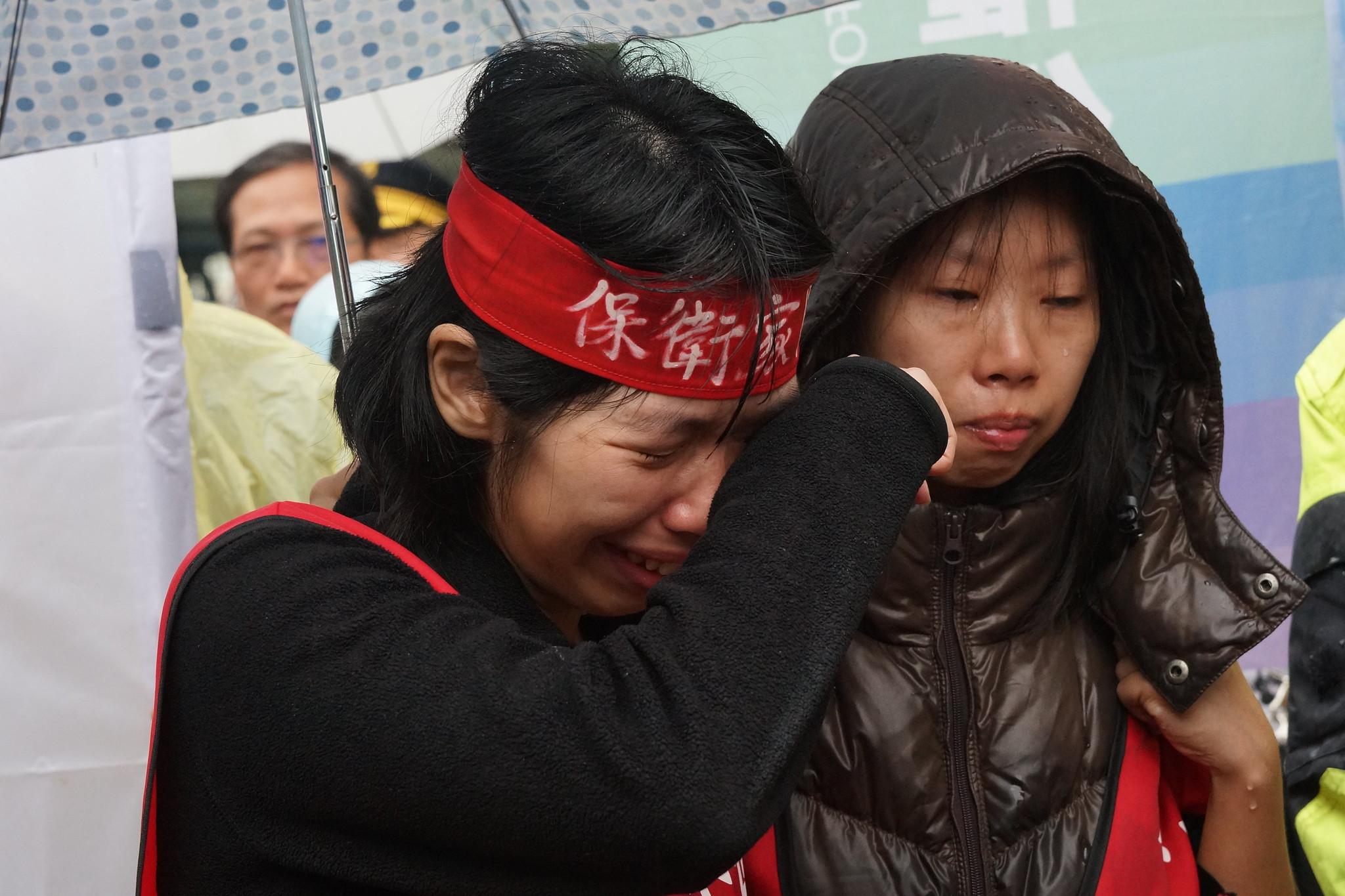 三峽龍埔里劉家成員聲淚俱下地陳述自己面臨迫遷擔心受怕的處境。(攝影:王顥中)