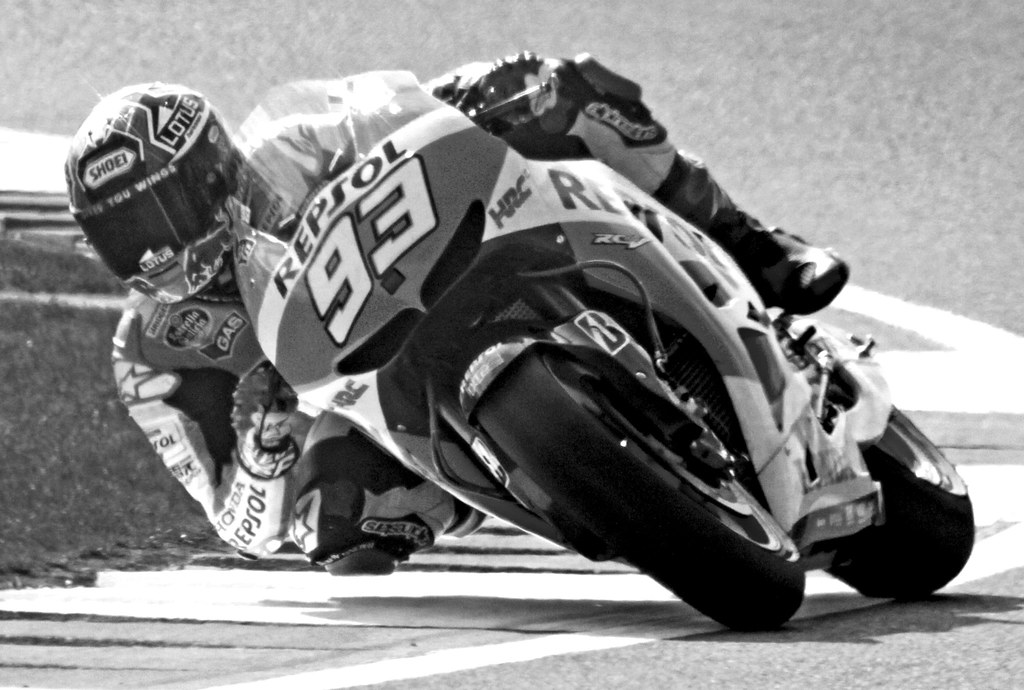 Knee & elbow down | Marc Marquez, MotoGP Silverstone 2013 | Trevor Earl | Flickr