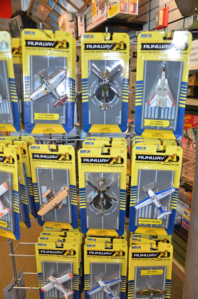 Runway 24 Toy Planes | For sale at the Cradle of Aviation ...