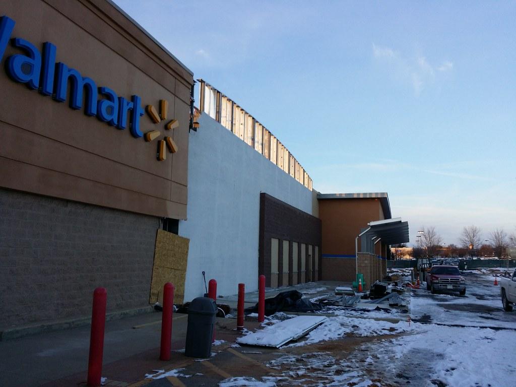 Walmart In Germantown Maryland Exterior Of The Walmart