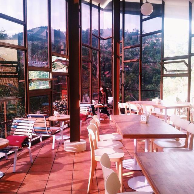6 Warung Salse (Interior 4) - deborafenty.tumblr.com