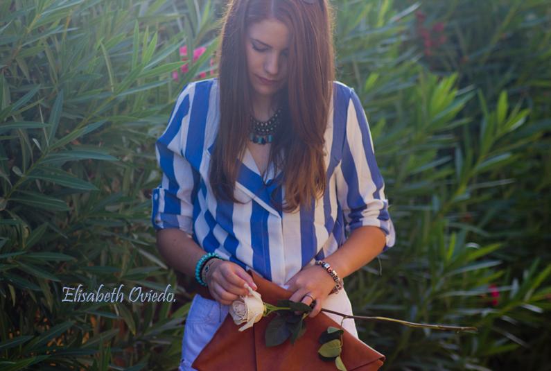shorts zara clutch pull and bear camisa marinera azul y blanca blusa cuñas marrones marypaz gafas sol tommy hilfiger (8)